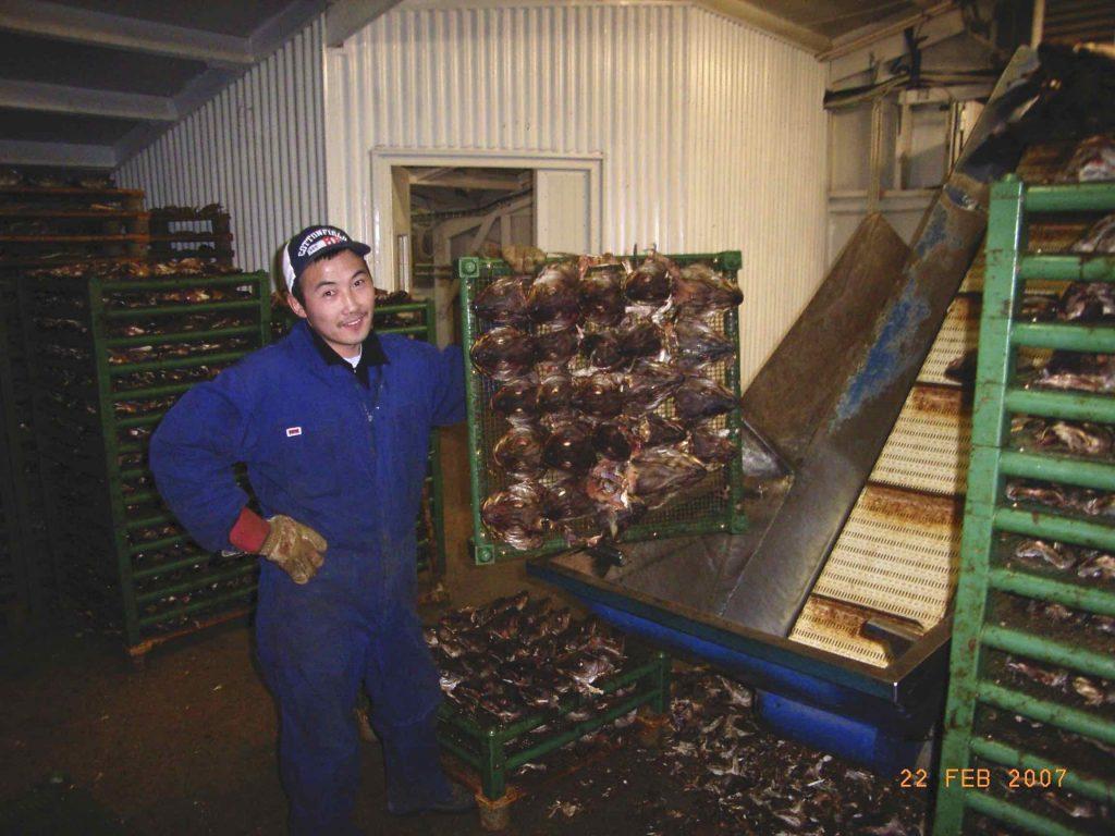 Khass Erdene var hjá okkur í 15 ára ásamt fjölskyldu sinni. Um tíma var hann yfirverkstjóri